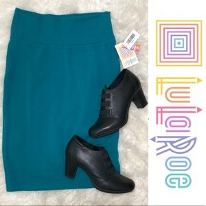 NWT Lularoe Solid Turquoise Cassie Skirt Stretchy
